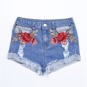 NWT DENIM CUT OUT AND EMBRODERIE SHORTS
